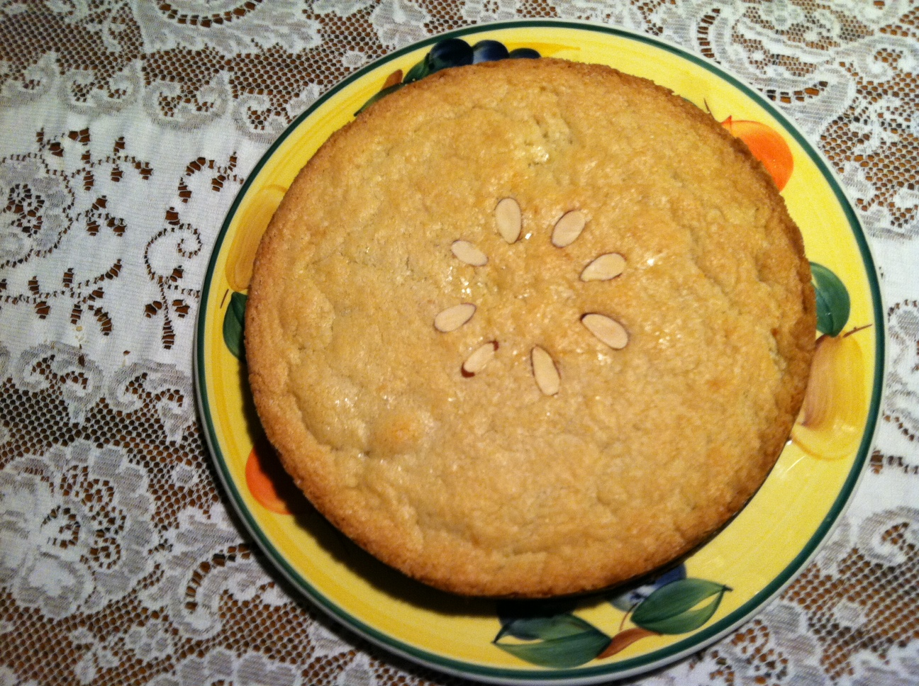 Almond filled cookie cake